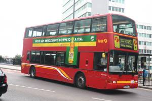 Metroline's hired First TNL 32905 (W905 VLN) at Wembley Park